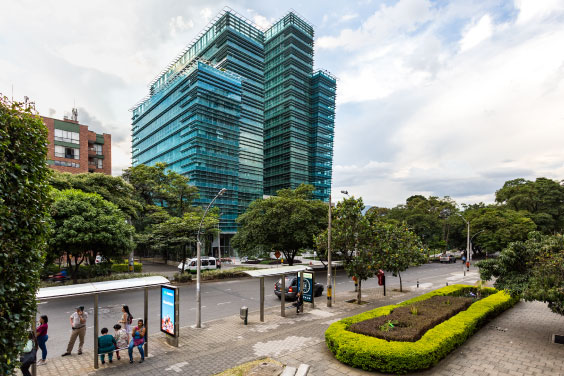 Pei adquiere un nuevo piso en el Edificio One Plaza